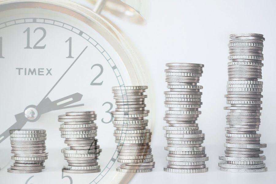 Kredyt dla firm czy faktoring – co się bardziej opłaca przedsiębiorcy?