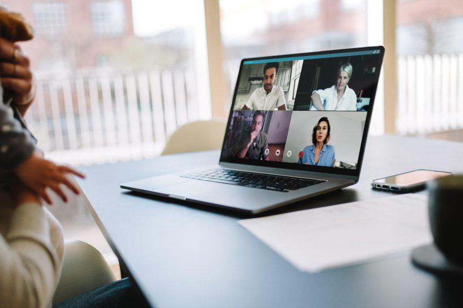 Jak organizować transmisje wydarzeń online?